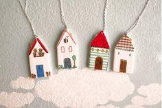 manitas de plata: Collares de casitas