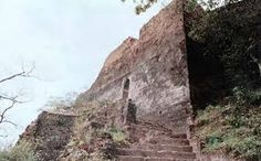 Location of Mandi Fort in made by King of  Mandi Suraj Sen in 1600 BC Sandhole Near Mahadi Village