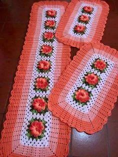 Bath Crochet Patterns Part 3 - Beautiful Crochet Patterns and Knitting Patterns Crochet Mat, Crochet Home, Crochet Granny, Cute Crochet, Beautiful Crochet, Crochet Table Runner, Crochet Tablecloth, Crochet Doilies, Crochet Stitches Patterns