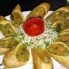Bharwa Mirchi Pakoda · · ·  #foodporn #picoftheday #food #vegetarianfood #foodporn #nomnom #delicious #foodpics #foodgasm #instagood #instalike #f52grams #followme #foodblogger #instafollow #zomato #sodelhi #foodstagram #eeeeeats #foodtalkindia #delhi_igers #delhi_foodie #appetizingcity #delhifoodie #yummyinmytummy #igfood #instafood #instadaily #photooftheday