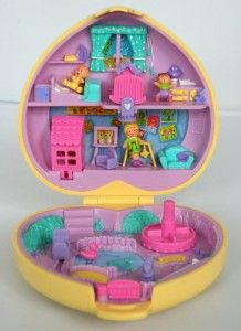 Polly Pocket.. This make me sad.. I actually just realized yesterday that my big polly pocket collection is at my dads house or it was the last time I was there in 2010. Hopefully I can get them some how because I always wanted to give them to my own children if any are girls.