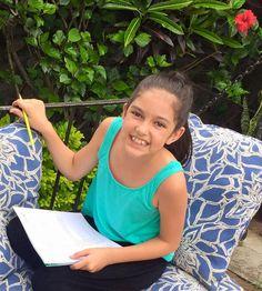"""Estudiando en ensayo el libreto de #RobinHoodElMusical de @DRAMAARTmx  FELIZ """"Lady Marian"""" https://www.facebook.com/Dramartcuernavaca/photos/a.1585568118389509.1073741828.1585560338390287/1603758326570488/?type=1&theater… :)"""