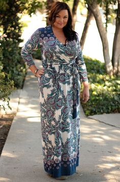 I love this paisley maxi dress from Be Inspired Boutique #beinspiredboutique #inspiredbyyou #celebrateallwomen