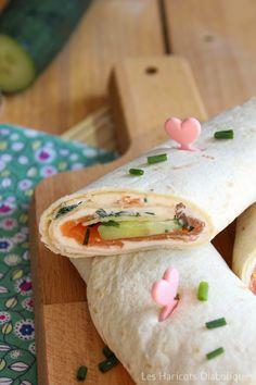 Salmon+cucumber+feta cheese+roll-it=happy therapy Cheese Rolling, Quesadilla, Fajitas, Flan, Burritos, Cucumber, Salmon, Tacos, Lunch Box