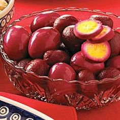Beet pickled eggs Ingredients 1 can ounces) sliced beets cup sugar cup white vinegar cinnamon stick 6 whole cloves, optional 8 hard-cooked eggs, shelled Beet Recipes, Easter Recipes, Cooking Recipes, Party Recipes, Detox Recipes, Veggie Recipes, Holiday Recipes, Cooking Tips, Chicken Recipes