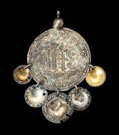 Traditional silver pendant from Skåne. https://www.bukowskismarket ...