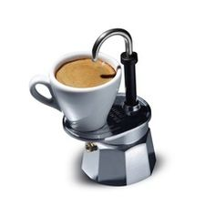Make yourself a single cup of espresso quickly and easily with the Bialetti Mini Express 1 Cup. Coffee Machine Design, Espresso Coffee Machine, Espresso Maker, Espresso Cups, Coffee Maker, Coffee Food Truck, V60 Coffee, Food Design, Brewing