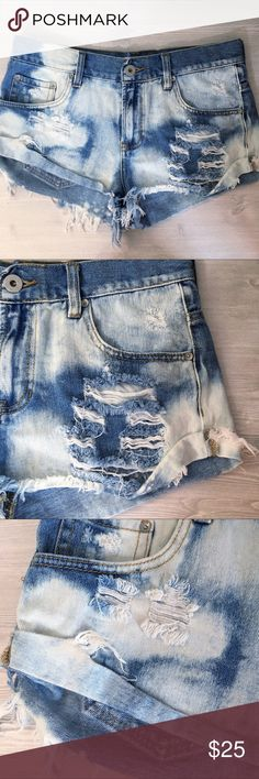 """BullHead Slouchy Deconstructed Denim Shorts Jr 9 Perfectly deconstructed Denim from PacSun.  These BullHead shorts are in perfect condition, holes and all! 😝  Waist measurement of 16"""" across.  Length from waist to hem is 9"""".  Inseam 2"""". Bullhead Shorts Jean Shorts"""