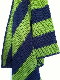 OH MY WORD!  I WANT THIS FOR MY BABY!  Crochet Green & Navy Baby Blanket via Etsy-