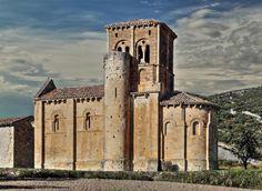 Monumento insigne del Románico de Las Merindades - Fachada sur de San Pedro de…