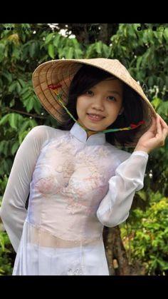Vietnamese Clothing, Vietnamese Dress, Beautiful Chinese Girl, Beautiful Asian Women, Culture Clothing, Vietnamese Traditional Dress, Vietnam Girl, Asia Girl, Ao Dai