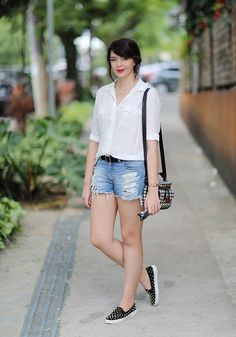 Look do dia: camisa branca e short jeans dress sx Fashion 101, Winter Fashion Outfits, Chic Outfits, Girl Fashion, Summer Outfits, Fashion Looks, Tomboy Fashion, Work Outfits, Fashion Ideas