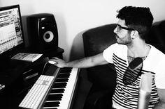 musician Jon Bellion http://thekollection.com/the-motto-cover-jon-bellion/