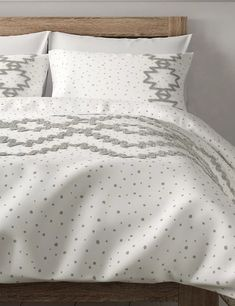 Cotton Mix Spotty Textured Bedding Set | M&S Table Furniture, Bedroom Furniture, Textured Bedding, Tufted Bed, Bedroom Color Schemes, Smart Styles, Table Linens, Bedding Sets, Duvet Covers