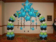 arco estrellas gigantes Ballon Arch, Balloon Columns, Balloons And More, Balloon Arrangements, Balloon Decorations Party, Baby Girl Birthday, Ideas Para Fiestas, Bicycling, Backdrops For Parties