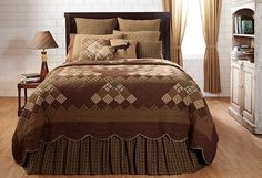 You won't regret purchasing our Barrington Scalloped Twin Quilt with it's sweet scalloped border and delectable mountain style pattern. https://www.primitivestarquiltshop.com/products/barrington-scalloped-twin-quilt #primitivecountrybedroomsbeddingandaccessories