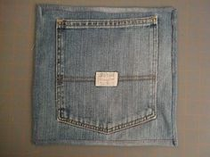 Using the pocket off jeans and sewing a back and making a potholder. Saw this in a general store in Jefferson, so cute and looks easy to make :)