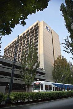 Dog friendly hotel in Portland, OR - DoubleTree by Hilton Portland