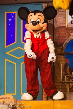 Mickey Mousepam love you.sylviaserafin .  you are  a good   to me .and you are good .