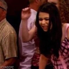 Divas, Friendship Wallpaper, Icarly, Matching Icons, Wallpapers, Couple Photos, Couples, Memes, Sisters