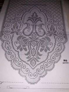 This Pin was discovered by Νέν Crochet Art, Thread Crochet, Crochet Crafts, Crochet Patterns, Cross Stitch Rose, Cross Stitch Flowers, Cross Stitch Embroidery, Crochet Table Runner, Crochet Tablecloth