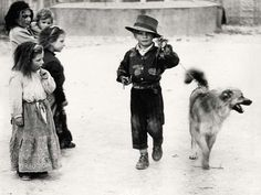 photos by Mario Giacomelli : everyday_i_show Vintage Dog, Vintage Italian, Vintage Children, Portrait Photography Men, Street Photography, Photo B, Vintage Photographs, Black And White Photography, Old Things