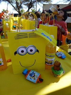 Minion party Despicable Me Party, Minion Party, Cat Party, 7th Birthday Party Ideas, Minion Birthday, Third Birthday, Minion Baby Shower, Sofia Party, Party Planning