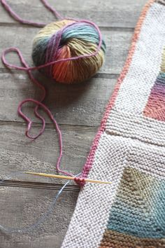 This is one of my favorite projects ever. This pattern has been around for a while and I was late to the game on it. It is the Mitered Crosses Blanket that Kay Gardiner made for Japan tsunami rel… Yarn Projects, Knitting Projects, Crochet Projects, Knitting Stitches, Free Knitting, Baby Knitting, Knitted Baby, Knitted Dolls, Crochet Motifs
