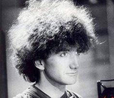 John Deacon in 1983 Photo by Simon Fowler - The fluff is off the charts! Brian May, John Deacon, Rock And Roll, Brian Rogers, Roger Taylor, Studios, Queen Photos, Somebody To Love, Queen Freddie Mercury
