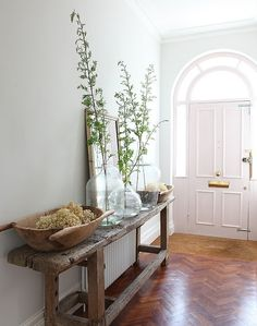 natural entryway #hall #wood #glass #white