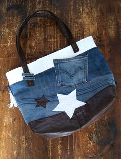 "Tuto: Make a bag ""WoW"" in Jean recovered! - Dreams of Cotton- Tuto: Make a bag ""WoW"" in Jean recovered! – Dreams of Cotton Source by jocelynedenimal - Diy Sac, Mehndi Art Designs, Jean Crafts, Recycle Jeans, Denim Patchwork, Denim Bag, Sewing Tutorials, Bag Making, Fashion Earrings"