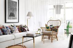 http://www.skonahem.com/inspiration/12-bilder-som-visar-hur-mycket-ratt-styling-betyder-for-ett-hem