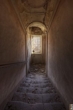 https://flic.kr/p/F942Gy | Old Country Mansion #9 - Beauty's Hot Tunnel  - | Somewhere, Earth  HDR 7 Scatti Fotocamera: Canon EOS 650D Esposizione: 0.6 Aperture: f/11 Lente: 10 mm ISO: 100 Exposure Bias: 0 EV Flash: Off, Did not fire Lens: Sigma 10-20mm F4-5.6 EX DC HSM   NOTE: MY photos are NOT to be used or reproduced, COPIED, BLOGGED, USED in any way shape or form. Understand clearly these are my photographs and use of them by anyone is an infringement of my copyrights and personal…