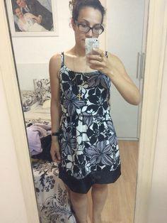 Vestido monocromático, verão