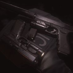 Glock 17 Marmoset Viewer file, this was used at GDC 2015 by the Marmoset guys to debut the viewer functionality.