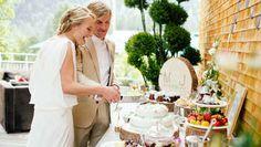 Hochzeit, Essen, Buffet, Holzscheiben, Baumscheiben