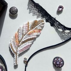 "Брошь ""Перо""... Материалы: стразовая лента, кристаллы, пайетки, чешский бисер и стеклярус .@mariya_jewerly."