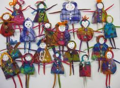 Studiofelter: Felt wall dolls I bet with a little thought and work I could turn them into felt witchies and goddesses.