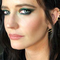 Tendenze make up AI 2019/20: gli smokey eyes Eva Green Casino Royale, Ava Green, Vanessa Ives, Actress Eva Green, Green News, Lisa Eldridge, Wild Girl, Shooting Photo, Hooded Eyes