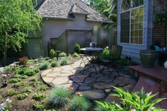 front+yard+patio | Courtyard patio of 'Autumn Flame' flagstone after installation