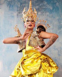 megan / 22 / in transit drag photo ig Drag Queen Names, Raja Gemini, Drag Queen Makeup, Drag Makeup, America's Next Top Model, Rupaul Drag, Club Kids, Drag Queens, Amazing Women