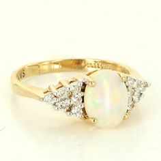 Vintage 14 Karat yellow Gold Opal Diamond Cocktail Ring Fine Estate Jewelry $395