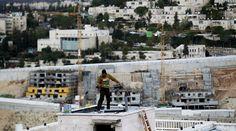 Thousands demand Facebook ban Israeli settlement ads