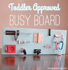 Toddler approved DIY busy latch board tutorial to keep your energetic child entertained. (diy toys to make for toddlers) Toddler Play, Baby Play, Baby Kids, Toddler Learning, Infant Activities, Activities For Kids, Learning Activities, Diy Busy Board, Latch Board