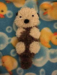 Pom Pom baby otter, so cute! Cute Crafts, Diy And Crafts, Crafts For Kids, Arts And Crafts, Pom Pom Baby, Pom Pom Rug, Pom Pom Flowers, Pom Pom Wreath, Pom Pom Crafts