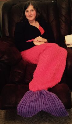 Mermaid Tail Lap Blanket thewriterknits.etsy.com