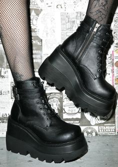 Demonia Technopagan Boots fer the nights when yer dark arts also require sum deep house beatz. Stomp around all night long in these gnarly vegan leather p… Fashion Mode, Grunge Fashion, Gothic Fashion, Goth Shoes, Gothic Mode, Side Zip Boots, Aesthetic Shoes, Long Boots, Black Boots