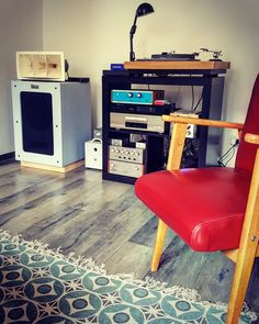 Altec DIY speakers. 414 806a 811 Floor Standing Speakers, Altec Lansing, Diy Speakers, Audio Equipment, Audiophile, Flooring, Horn, Furniture, Music