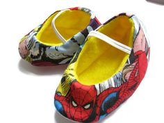 Superhero baby shoes made from Spiderman and Thor fabric by bootki
