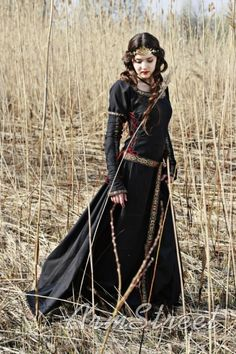 Medieval inspiration dress, black, with golden detail trimming, lace sleeves.